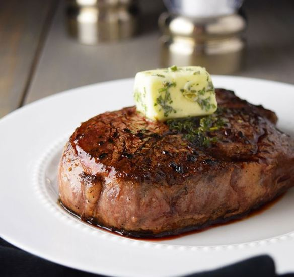 juicy_filet_with_herbed_butter
